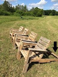 diy wooden pallet chair plans