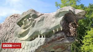 The crystal palace dinosaurs are a series of sculptures of dinosaurs and other extinct animals, incorrect by modern standards, in the london borough of bromley's crystal palace park. Life Sized Crystal Palace Park Dinosaur Sculpture Damaged Bbc News
