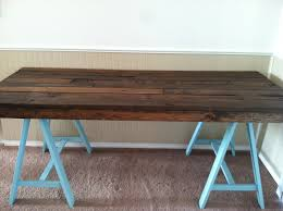 diy pallet and sawhorse desk tutorial