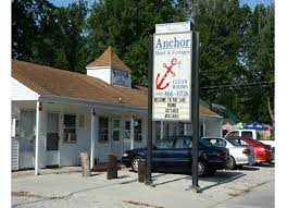 There are several family restaurants close to the hotel, including culver's, johnny's dinner, cheese box, baker house, gino's east & more. Anchor Motel Cottages Ashtabula County Visitors Bureau