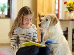 Ποιος μπορεί να βοηθήσει ένα παιδί στο διάβασμα;