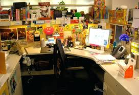 Decorate office cubicle Minimalist Ideas To Decorate Office Cubicle Perfect Office Desk Decoration Ideas Images About Office Cubicles On Office Ideas To Decorate Office Cubicle Doragoram Ideas To Decorate Office Cubicle Ideas For Decorating Your Office At