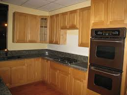 Natural Maple Kitchen Cabinets Dark Counter Shaker Baneproject