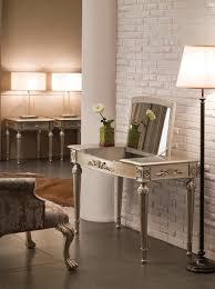 Makeup Tables For Bedrooms Bedroom Makeup Vanity