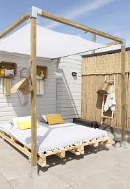 pallet bed with canopy | cool things for home | Pinterest | Outdoor ...