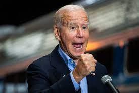 Auftritt eines wirklich alten weißen Mannes: Wie fit ist Joe Biden  tatsächlich? - Politik - Tagesspiegel