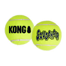 The properties of tennis balls are specified by the international tennis federation to generate uniformity, and consistency in performance. Kong Air Squeaker Tennis Ball Large 2pcs Horze