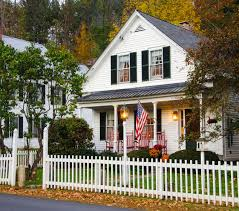 Does Homeowners Insurance Cover Fence Damage? - ValuePenguin