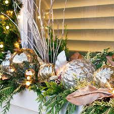 Christmas Window Box Decorations Decorate Your Windows for Christmas 67