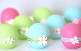 diy easy pretty eos lip balm party favors perfect for bridal showers birthdays baby showers you