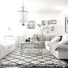 Amazing monochrome boho chic living room @lifestylebygranath