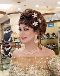 our delhi beauty and make up for free beauty parlor course in delhi offer make up cles in delhi for them who want to bee makeup artist in delhi