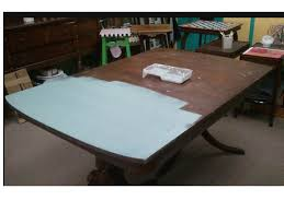 oh yes did i mention this is one coat of chalk paint in duck egg blue on this table what do you think of the coverage no trick photography heck i am