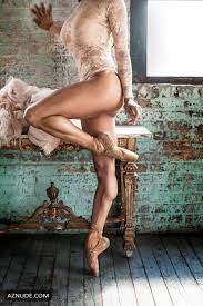 Victoria Roberts Nude