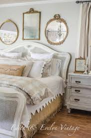 1 gilded mirrors and white wicker