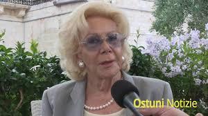 Intervista a Lea Pericoli Ostuni 2016 - YouTube