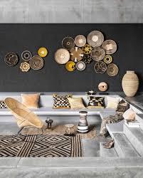 Zitkuil Met Manden Als Muurdecoratie Living Room With Decoration