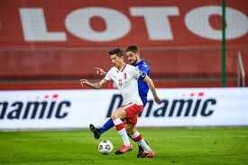 21.08.1988) is a polish forward and at fc bayern since 2014. Robert Lewandowski Injury Striker Will Miss England Game Due To Knee Issue The Athletic