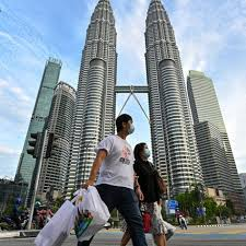 The lockdown comes while malaysia is still under a state of emergency, which was declared by the prime minister back in january to contain the pandemic. Coronavirus Malaysia S Lockdown Extended Philippines Negotiating 178 Million Vaccine Doses South China Morning Post