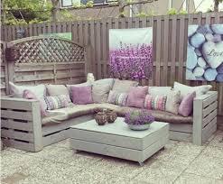 Tavoli Da Giardino In Pallet : Con i bancali l arredamento in giardino sarà solo shabby