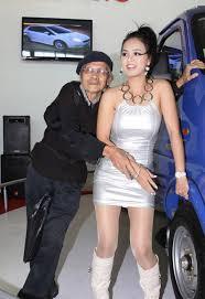 Kết quả hình ảnh cho hình ảnh chồng già vợ trẻ