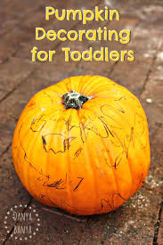 toddler pumpkin decorating