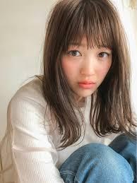 丸顔に似合う髪型は髪の長さ別におすすめスタイルを紹介 Hair