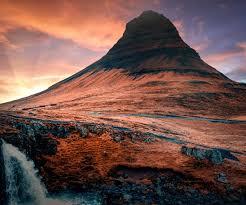360º Iceland - Terracotta Travel - Medium