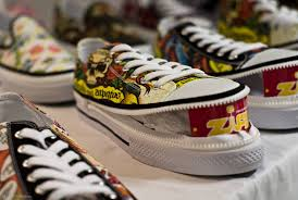 converse vs vans. vans converse shoes vs