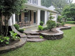 Amazing Front Yard Walkway Landscaping Ideas 12 - TOPARCHITECTURE