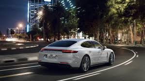 Porsche Plugs Panamera Turbo SE Hybrid At New York Preview - Gas 2