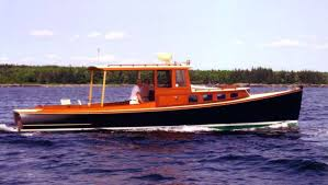 a 34 traditionally built day cruiser