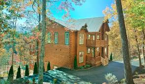 12 Bedroom Cabins In Tennessee The Exterior Of A Large Log Cabin In Pigeon  Forge With . 12 Bedroom Cabins In Tennessee ...