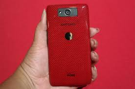 droid motorola red. hands-on-motorola-droid-ultra-back droid motorola red