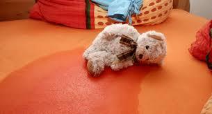 Resultado de imagen para imagenes de camas orinadas por niños