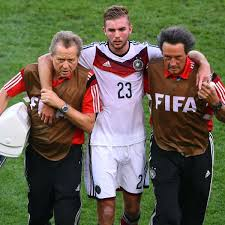 Check out his latest detailed stats including goals, assists, strengths & weaknesses and match ratings. Wm 2014 Finale Christoph Kramer Verletzt Raus Panne Im Brasilianischen Tv Fussball
