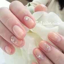 花嫁 ネイル 白 ピンク