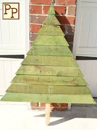 Pallets 25 Ideas Of How To Make A Wood Pallet Christmas Tree Designrulz