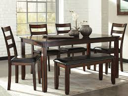 Stellar Dining Table Set