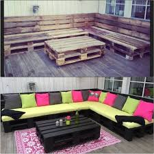 i would of left the color of the wood how it was added black cushions for both top and bottom instead of all the color buy pallet furniture 4