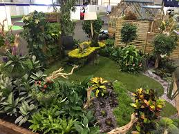 office gardening. The Design Included An Office Desk Dressed With Moss, A Live Picture As Back Drop, Carpet Of Grass All Surrounded By Array Tropical Plants. Gardening
