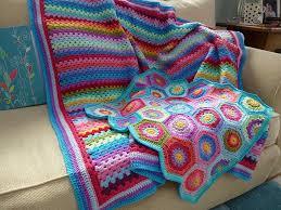 attic 24 blankets. granny stripes for the hexagons see pattern at attic24 tutorial teresa restegui http attic 24 blankets