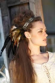 Id Es Coiffure Mariage Chic La Plume Dans Les Cheveux C Est