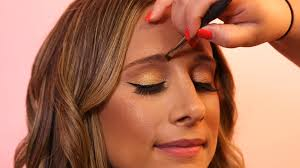 in today s tip garibaldi gets the scoop from makeup artist karla duarte on how to properly fill in your eyebrows