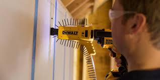 dewalt screw gun. dewalt cordless screw gun with collated attachment dewalt