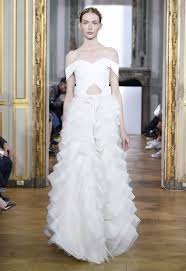 Brautmoden Trends 2017 Schulterfreies Brautkleid Bilder Madame De Der Trendreport Brautkleider Trends 2015