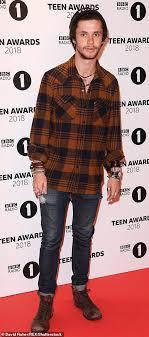 Radio 1 R B Chart Bbc Radio 1 Teen Awards Little Mix And Love Island Lead The