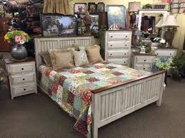 Amish Made Antique White Bedroom Furniture - Picture of KC ...