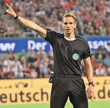 Bundesliga schiedsrichter werden nur ganz wenige und der weg ist sehr steinig, muss man sich was verdient ein bundesliga schiedsrichter im fußball? Fussballschiedsrichter Soren Storks Pfeift Nun In Der Bundesliga Welt
