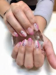 今の時期はバレンタインやホワイトデーが近いのでピンクが大人気です